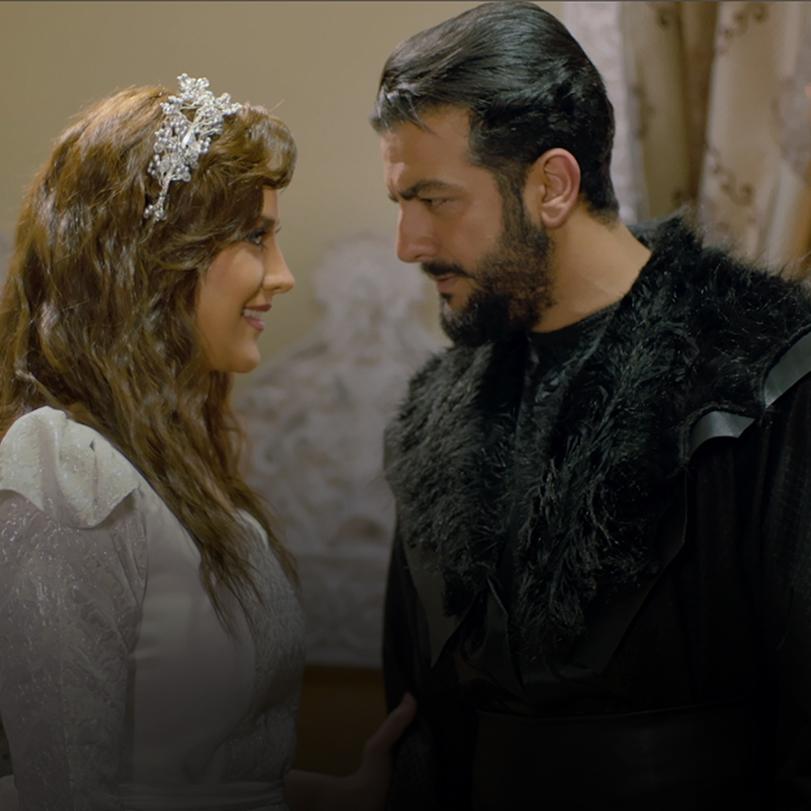 بعد حرق الخان، حنة تقابل هاشم وتروي له قصتها، أما الكيخي فهو غاضب جداً