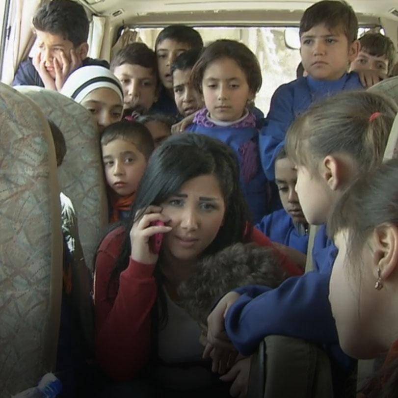 ما الذي يقف في طريق ناندا للهجرة إلى دبي مع عائلتها؟